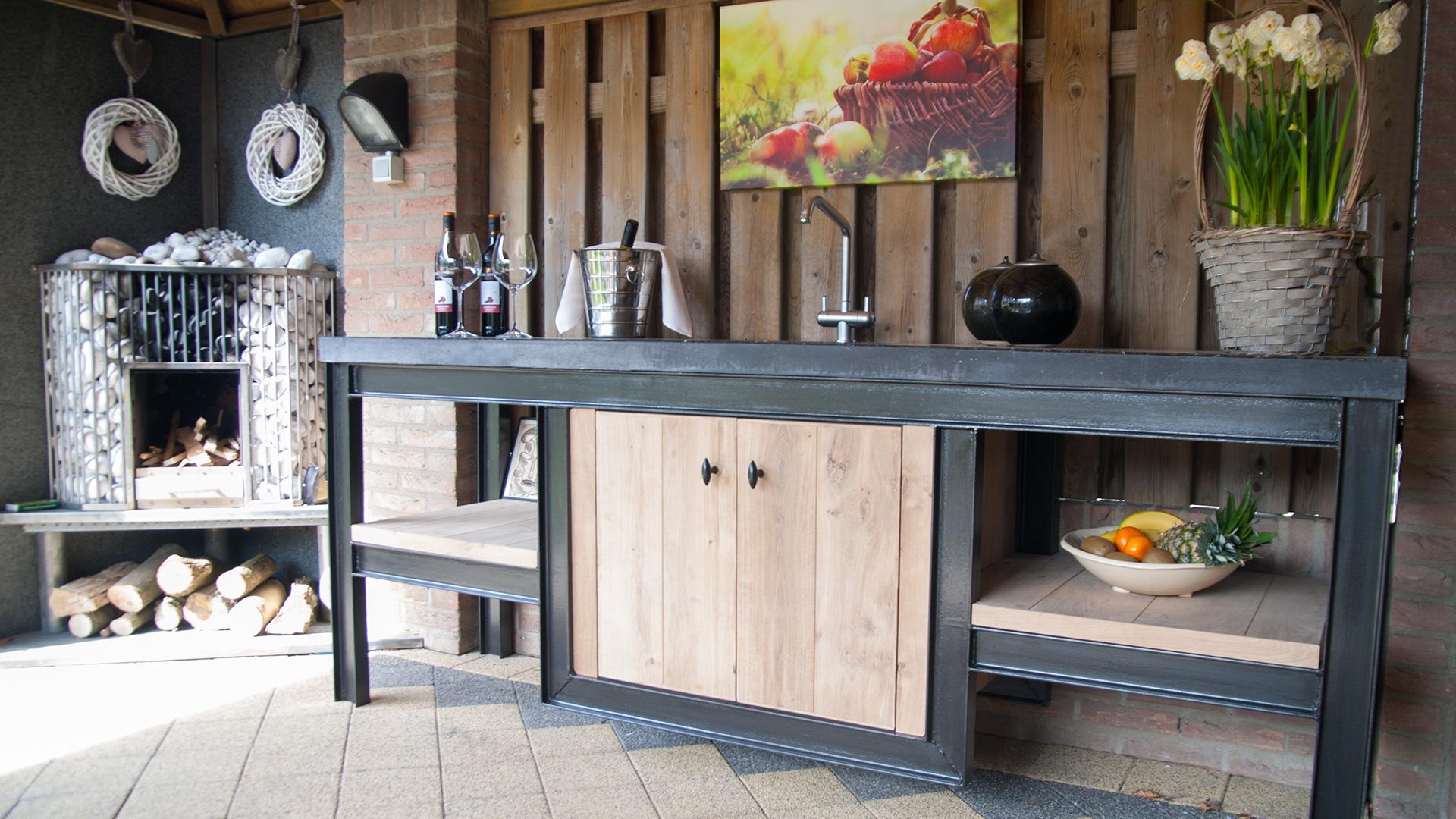 Buitenkeuken metaal    terrazzo   Keuken voor buiten